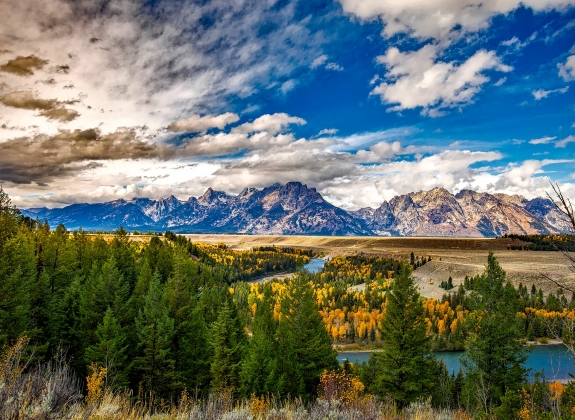Take in towering mountain scenery with a train trip to Grand Teton National Park
