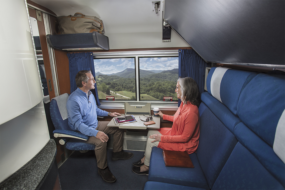 are there sleeper cars on amtrak